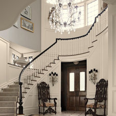 Traditional Entry by Anthony Como of Luxe Interiors
