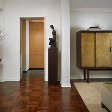Contemporary Entry by Denise DeCoster Architect