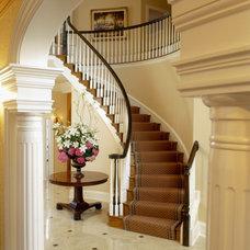 Traditional Entry by Sroka Design, Inc.