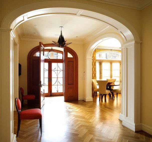 Contemporary Entry by Sroka Design, Inc.