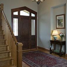 Craftsman Entry by Grainda Builders, Inc.