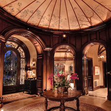 Traditional Entry by R.J. Gurley Custom Homes