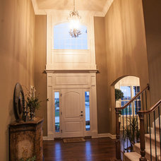 Traditional Entry by O'Neal Builders, Inc.