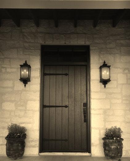 farmhouse entry by Bonterra Building & Design