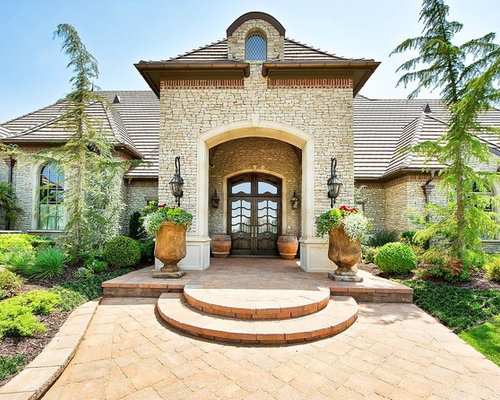 Circular steps home design ideas pictures remodel and decor for Country home exterior design