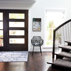 modern entry by Jodie Rosen Design