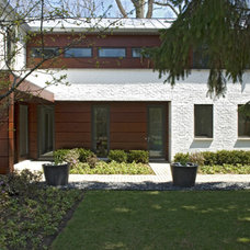 Contemporary Entry by Searl Lamaster Howe Architects