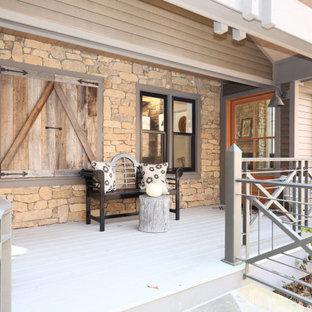 Idéer för att renovera en mellanstor amerikansk ingång och ytterdörr, med beige väggar, mörkt trägolv, en enkeldörr, mellanmörk trädörr och brunt golv