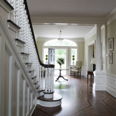 Traditional Entry by John M Reimnitz Architect PC