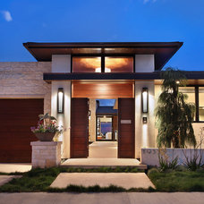 Contemporary Entry by Spinnaker Development