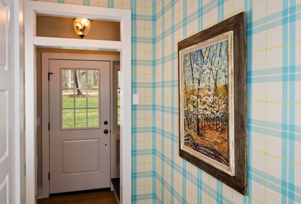 Traditional Entry by Mitch Wise Design,Inc.
