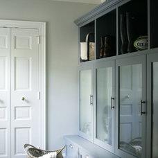 Traditional Entry by Heather Garrett Design