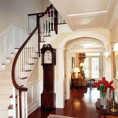 traditional entry by Doyle Coffin Architecture LLC