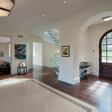Contemporary Entry by Swerdloff Properties Inc.