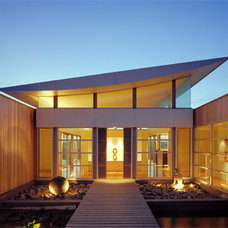 Contemporary Entry by Mills Gorman Architects