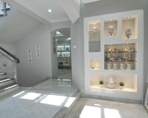 landhausstil eingang mit marmorboden ideen f r. Black Bedroom Furniture Sets. Home Design Ideas