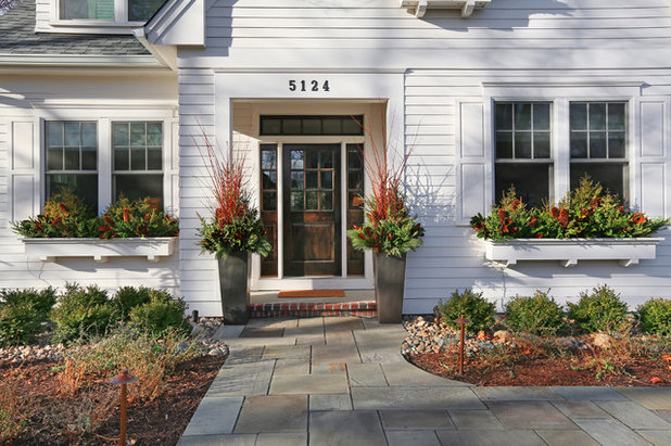 Transitional Entry by Great Neighborhood Homes