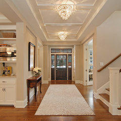 traditional entry by Great Neighborhood Homes