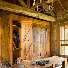 Rustic Entry by On Site Management, Inc.