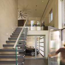 Contemporary Entry by neely architecture