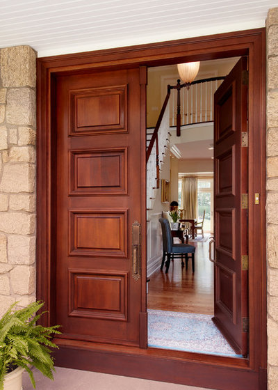 American Traditional Entry by Grande Interiors