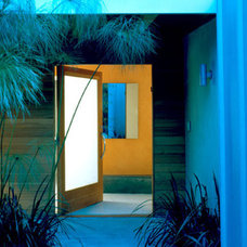 Modern Entry by Belzberg Architects