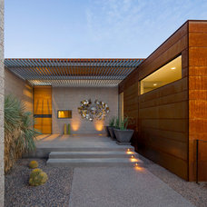 Modern Entry by the construction zone, ltd.