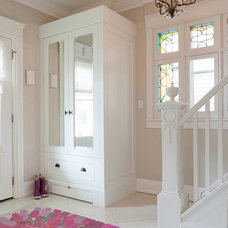 Transitional Entry by Sealy Design Inc.