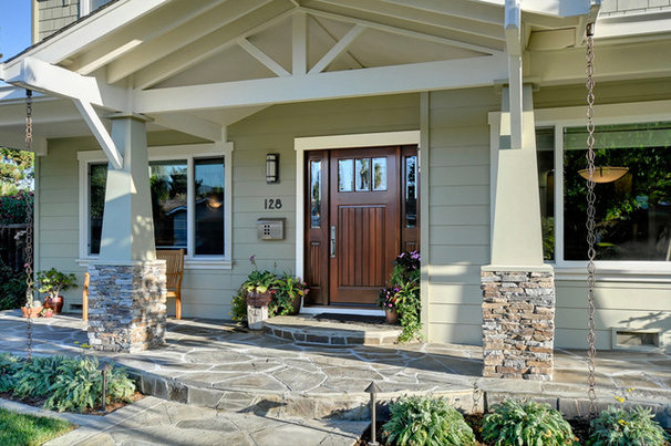 Traditional Entry by Hammerschmidt Construction, Inc.