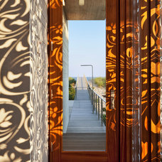 Beach Style Entry by aamodt / plumb architects
