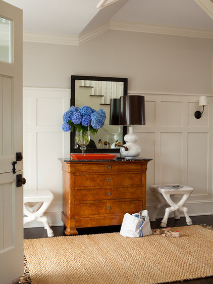 Transitional Entry by ALICE BLACK INTERIORS