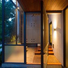 Modern Entry by Risinger Homes