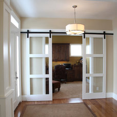 Traditional Entry by Steven Dailey Construction