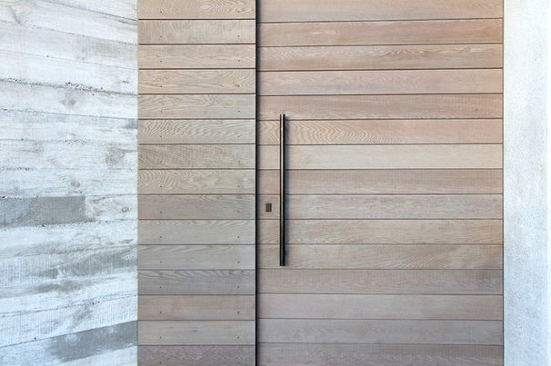 Contemporary Entry by Daniel Marshall Architect