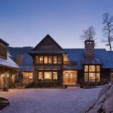 Rustic Entry by Morgan-Keefe Builders, Inc.
