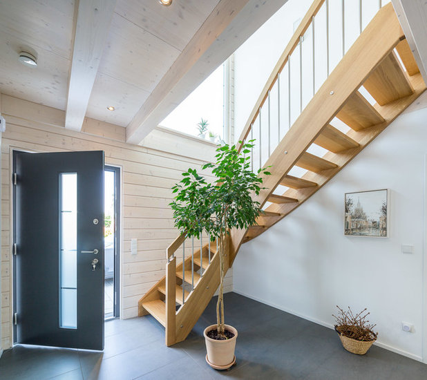 Contemporary Entrance by Stommel Haus UK