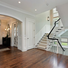 Traditional Entry by Highgate Builders