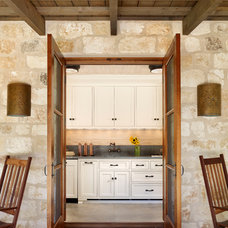 Farmhouse Entry by Northworks Architects and Planners