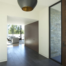 Modern Entry by MAK Studio