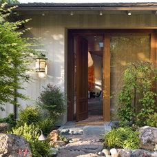 Modern Entry by Charlie Barnett Associates