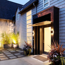 Contemporary Entry by Coop 15 Architecture