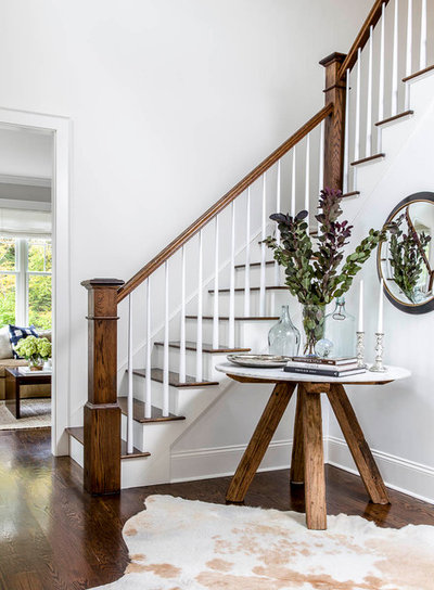 Transitional Entry by Kennerknecht Design Group