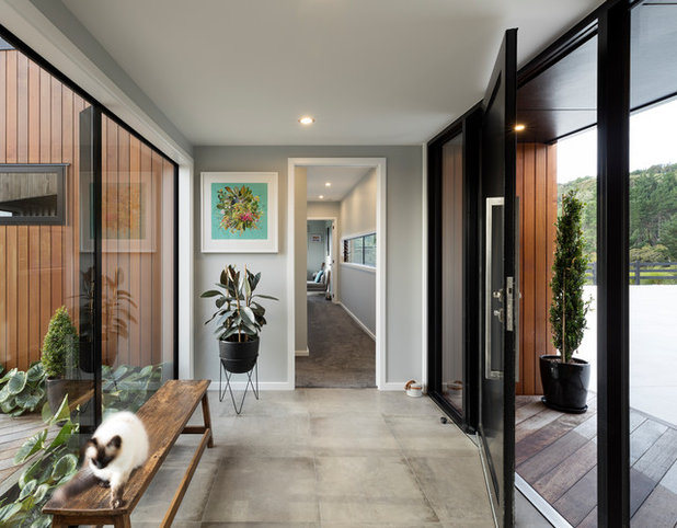Contemporary Entry by Turner Road Architecture