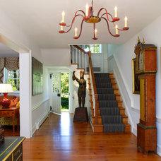 Farmhouse Entry by John Milner Architects, Inc.