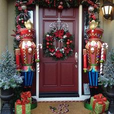 Traditional Entry by Envy Decor LLC