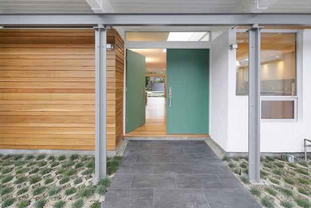 Midcentury Entrance by levitt architects