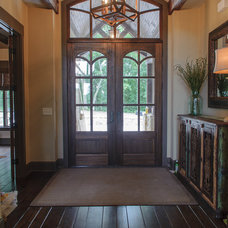 Rustic Entry by Blalock Homes LLC