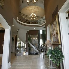 Contemporary Entry by Robert Lucke Homes