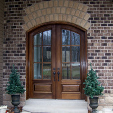 Traditional Entry by Heartlands Building Company