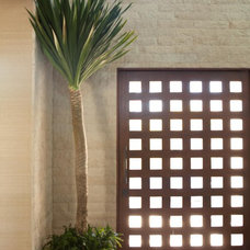 Contemporary Entry by Michael Fullen Design Group